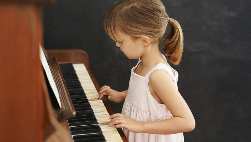 5 manfaat mendengarkan musik pada perkembangan balita 2