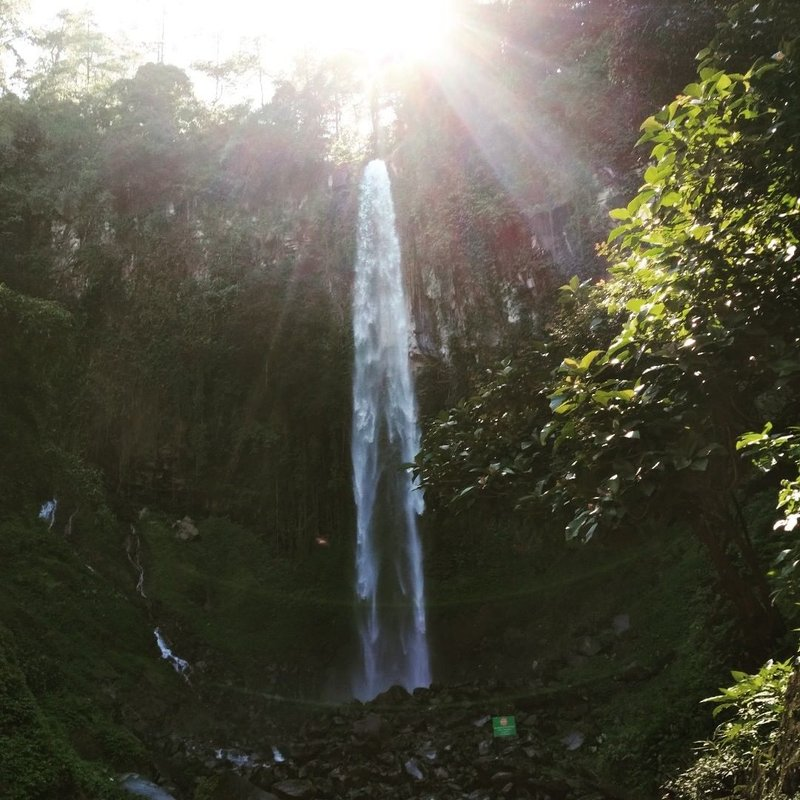 wisata tawangmangu air terjun grojogan