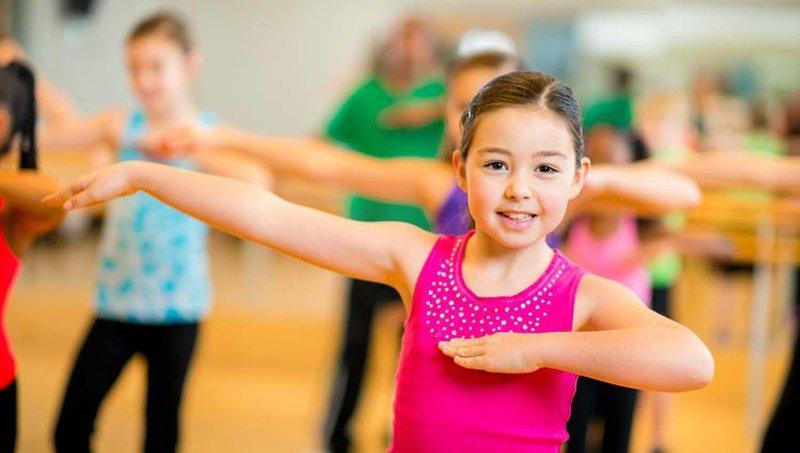 5 olahraga ringan untuk stimulasi otak anak 1