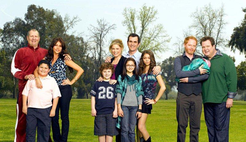 5 serial tv untuk para ibu muda modern family, culture se.com.br