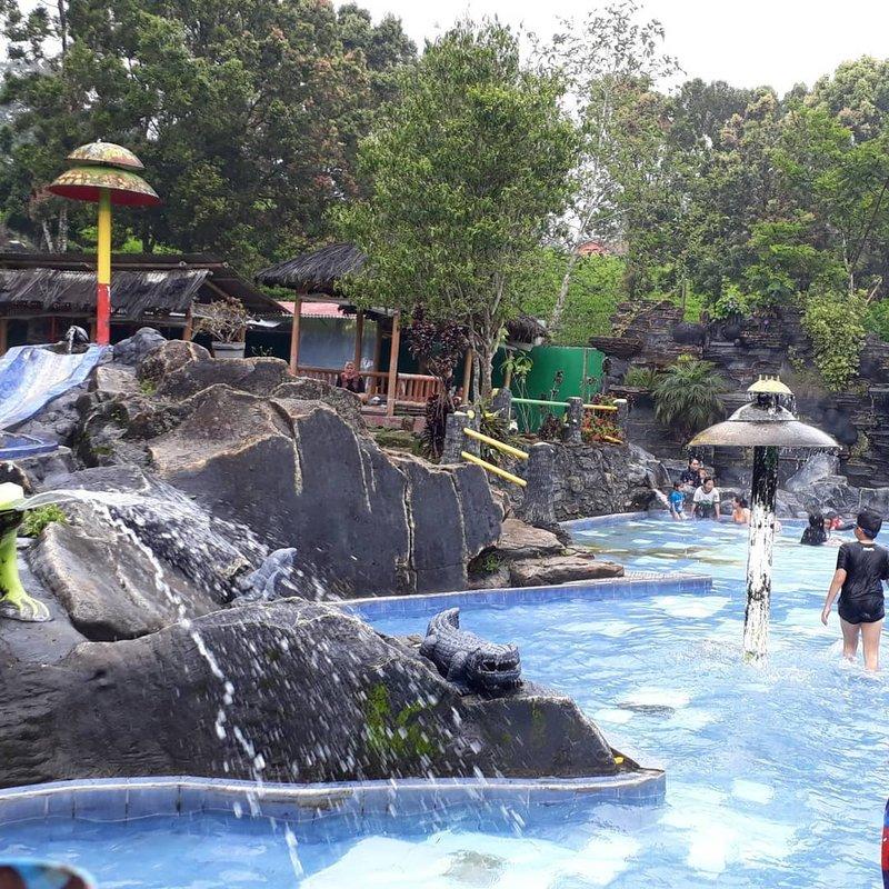 wisata ciwidey pemadian air panas ciwalini