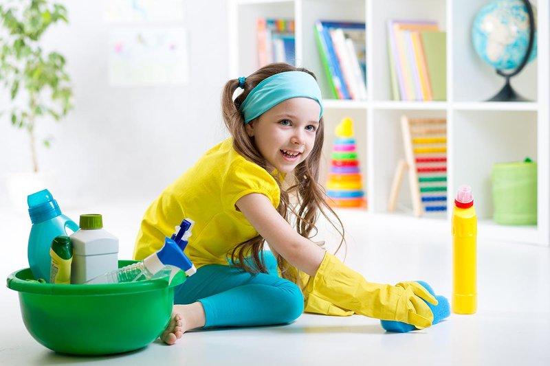 6 cara latih anak buat kerja rumah