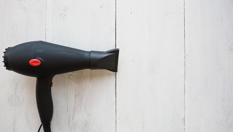 6 Cara Mengatasi Telinga Kemasukan Air Pada Balita, Moms Wajib Tahu! 4.jpg
