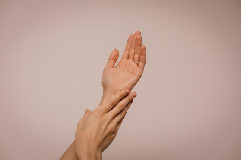 cara menghilangkan komedo putih jauhkan tangan