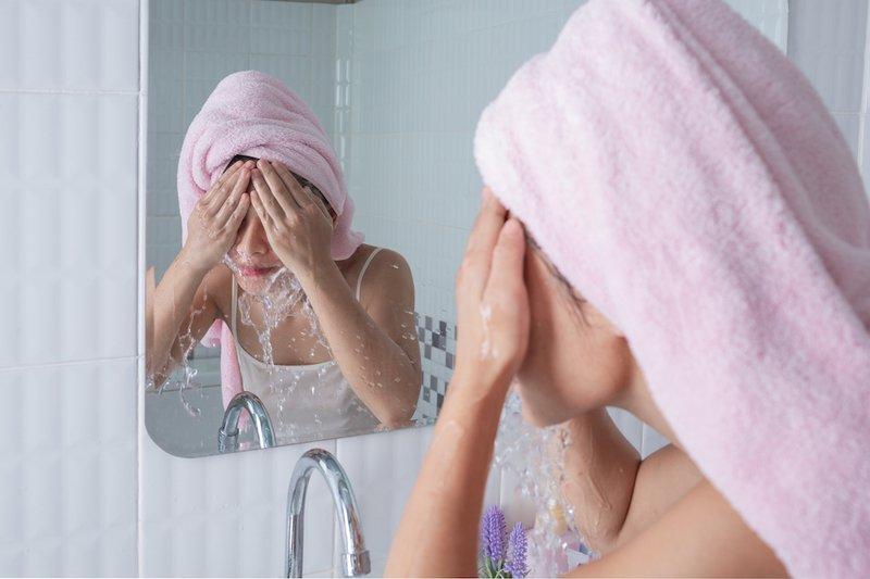 cuci muka untuk cara menghilangkan komedo putih