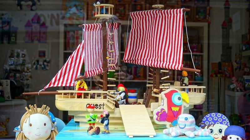 6 Hal yang Harus Dipertimbangkan Sebelum Membeli Mainan Edukasi untuk Anak 2.jpg