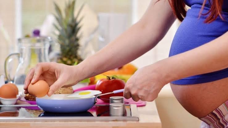 6 Jenis Nutrisi yang Wajib Dikonsumsi Oleh Ibu Hamil Trimester Pertama - 04 KOLIN - sumber BBC.jpg