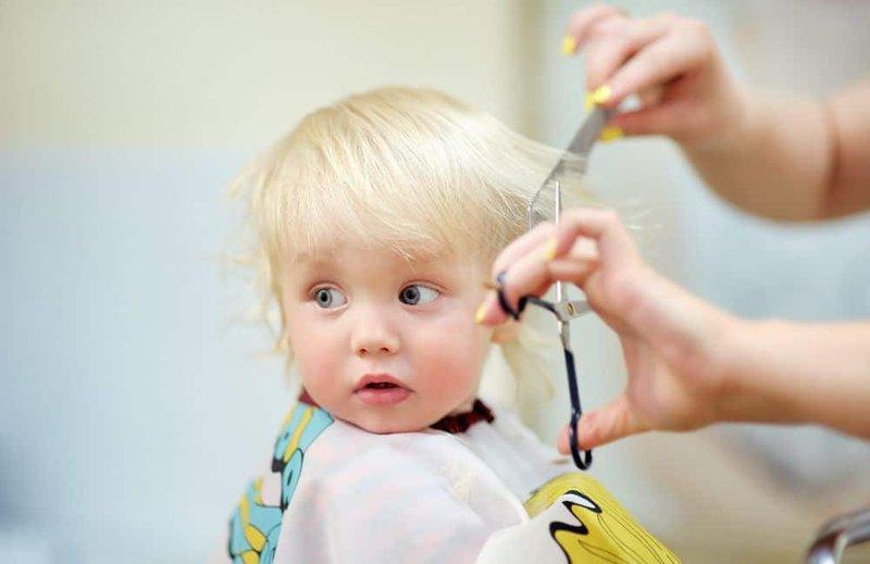 6 Mitos dan Fakta Menarik Seputar Merawat Rambut Bayi 05.jpg