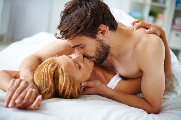 6 Posisi Bercinta Favorit Perempuan 1.jpg
