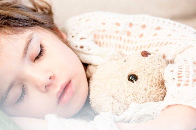 6 Tips Mengajarkan Balita Tidur Sendiri Saat Bersiap Punya Adik 05.jpg