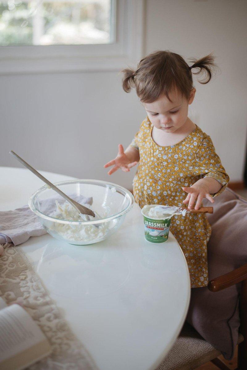 6 cara membuat kegiatan memasak bersama anak lebih menyenangkan 4