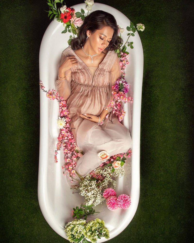 paula melahirkan