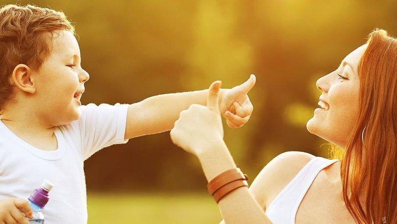 7 Bentuk Komunikasi Nonverbal Yang Bikin Moms Lebih Dekat Dengan Anak 6.jpeg
