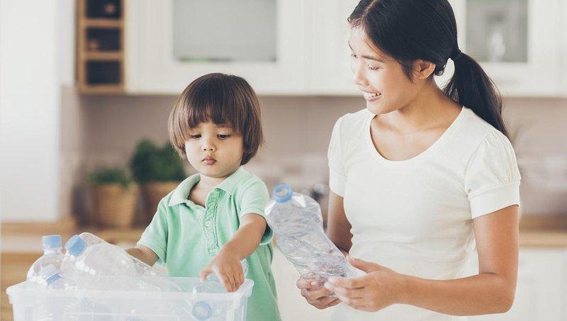 7 Bentuk Komunikasi Nonverbal Yang Bikin Moms Lebih Dekat Dengan Anak 3.jpg