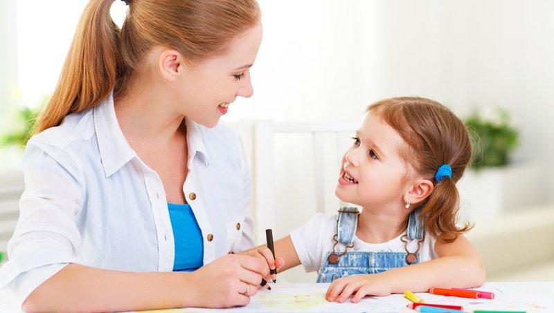 7 Bentuk Komunikasi Nonverbal Yang Bikin Moms Lebih Dekat Dengan Anak 5.jpg