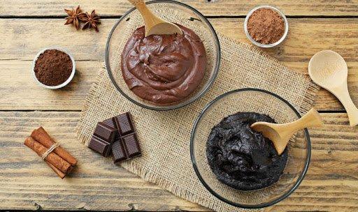 7 Cara Membuat Masker Cokelat di Rumah