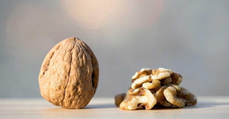 7 Manfaat Kacang Kenari -2.jpg