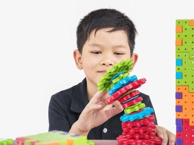 7 Manfaat Mainan Edukasi Puzzle dan Blok Susun Bagi Anak  1.jpg