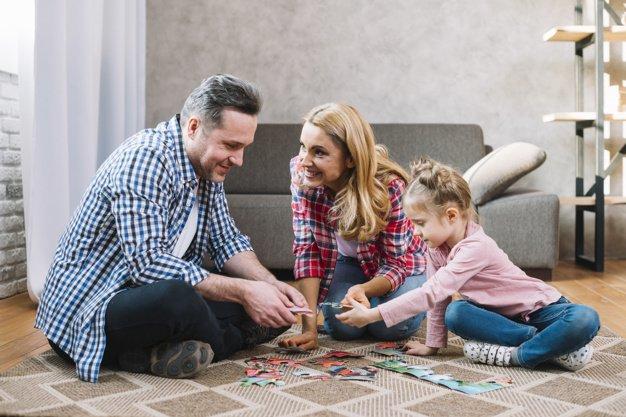 7 Manfaat Mainan Edukasi Puzzle dan Blok Susun Bagi Anak 4.jpg