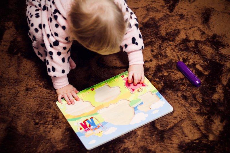 7 Manfaat Mainan Edukasi Puzzle dan Blok Susun Bagi Anak 3.jpeg