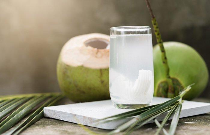 7 Manfaat Mengonsumsi Air Kelapa Saat Hamil 07.jpg