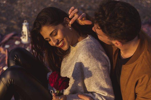7 Spot Pijatan Sensual untuk Merangsang Suami : Istri 3.jpg