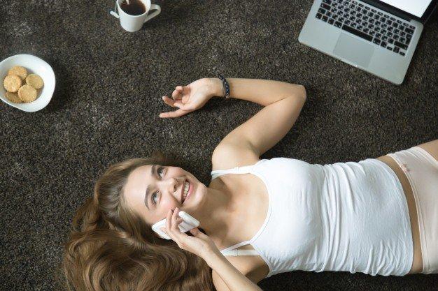 7 Tips Dirty Talk dengan Suami Lewat Telepon 1.jpg