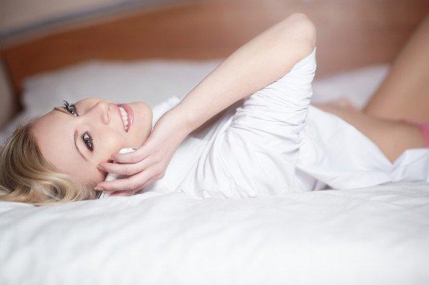 7 Tips Dirty Talk dengan Suami Lewat Telepon 4.jpg