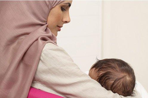 8 Aturan Islam tentang Bayi Baru Lahir, Jangan Diabaikan Moms