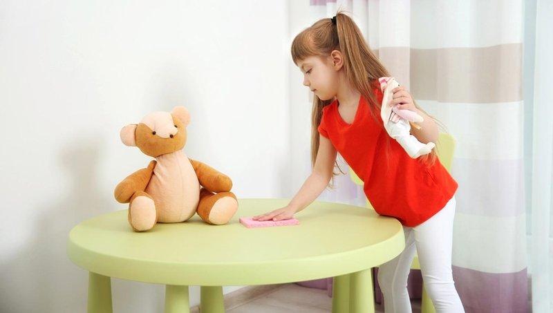 8 ide tugas rumah tangga yang cocok untuk anak sekolah dasar 1
