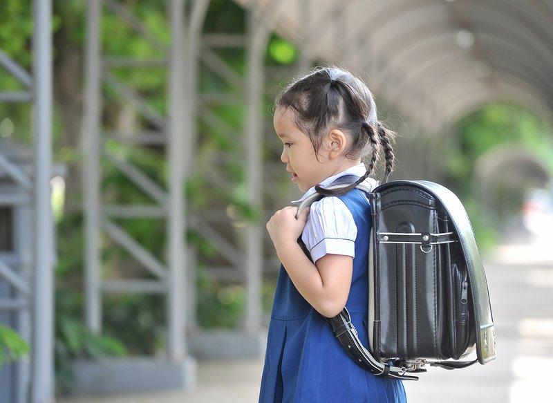 anak masuk sekolah