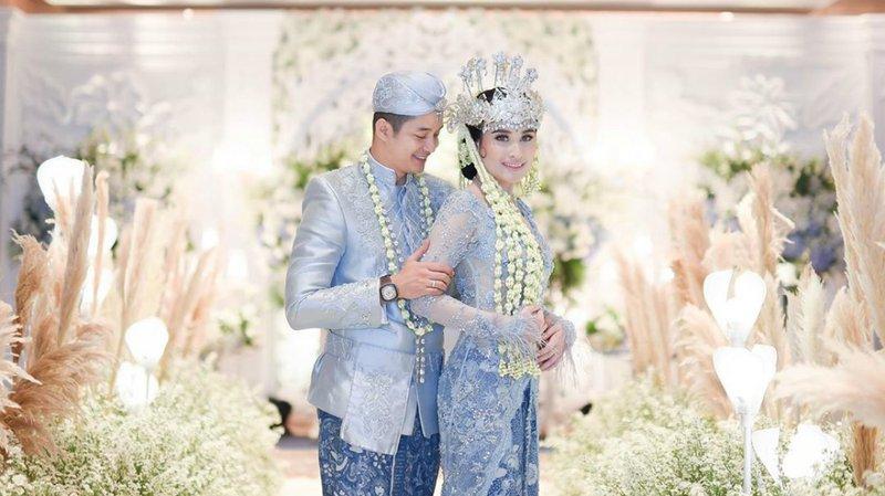 Adly Fairuz dan Angbeen Rishi Menikah, Ini Potret Kisahnya.jpg