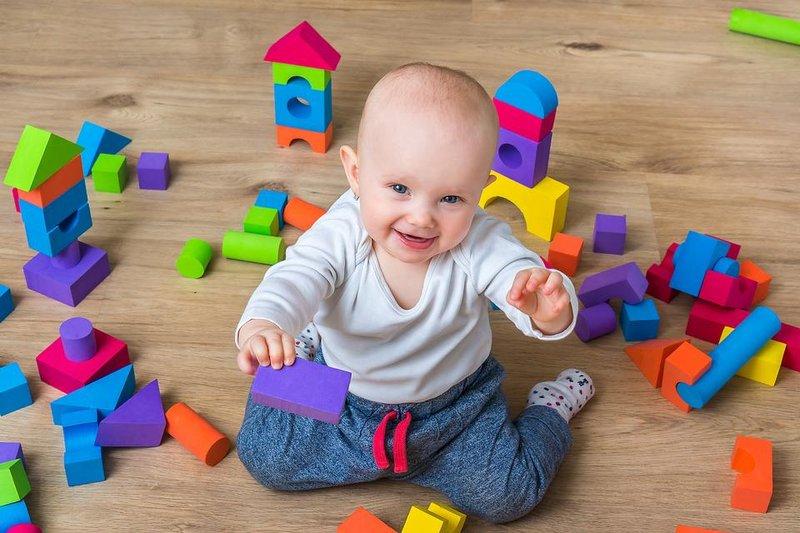 Jenis-Jenis Mainan untuk Merangsang Motorik Halus Bayi