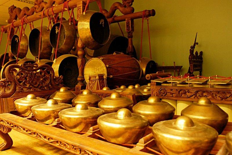 Alat Musik Jawa Tengah - Kenong