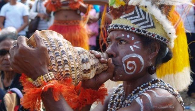 Alat Musik Papua - Triton