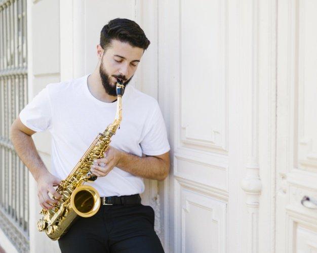 Alat Musik Tiup - Saxophone