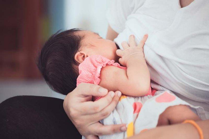 Bayimenyusumenangisalergimakanan.jpg