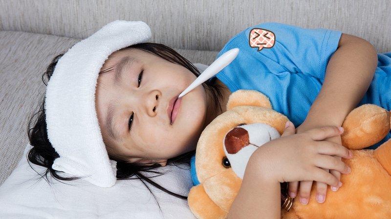 Psikolog Anak Jelaskan Tips Menurunkan Anak Demam