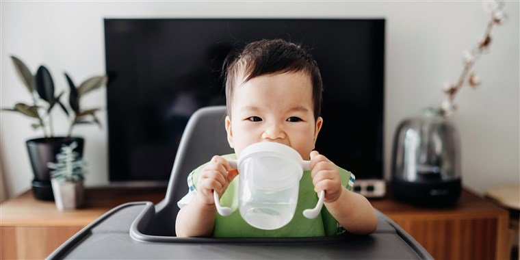 Anak Susah Minum Air Putih, Ini 4 Cara Memenuhi Kebutuhan Cairannya 01.jpg