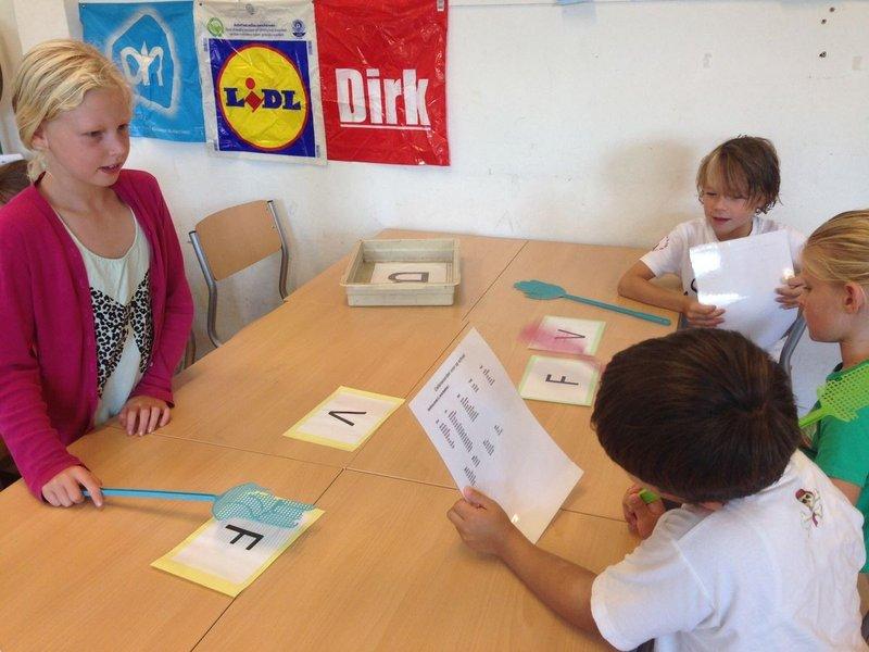 Anak disleksia membalikkan huruf dan angka__.jpg
