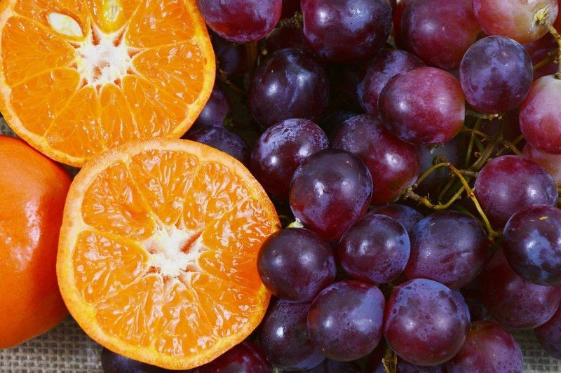 Anggur dan Jeruk