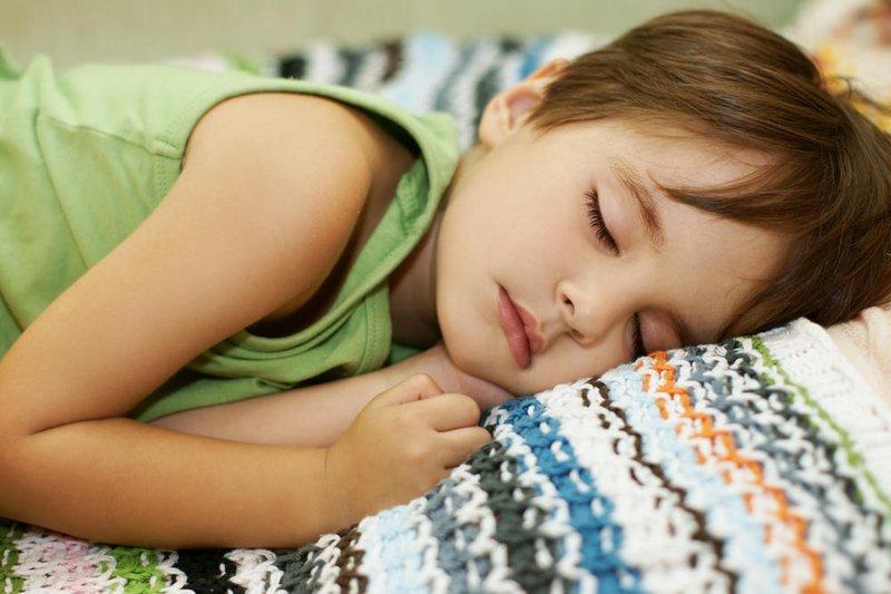 Apa Tandanya Si Kecil Terkena Infeksi Telinga 4.jpg