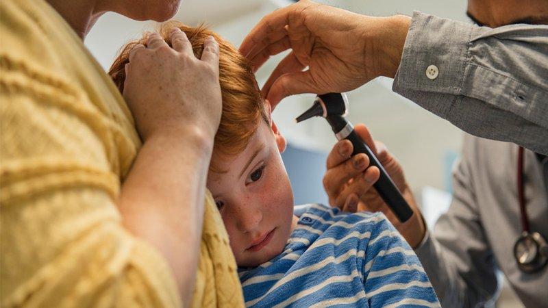Apa Tandanya Si Kecil Terkena Infeksi Telinga 6.jpg