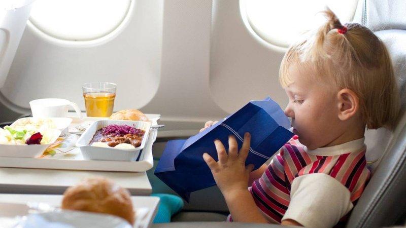 Apa yang Harus Dilakukan Saat Bayi Menangis di Pesawat -1.jpg