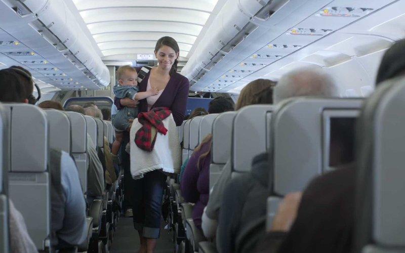 Apa yang Harus Dilakukan Saat Bayi Menangis di Pesawat -3.jpg