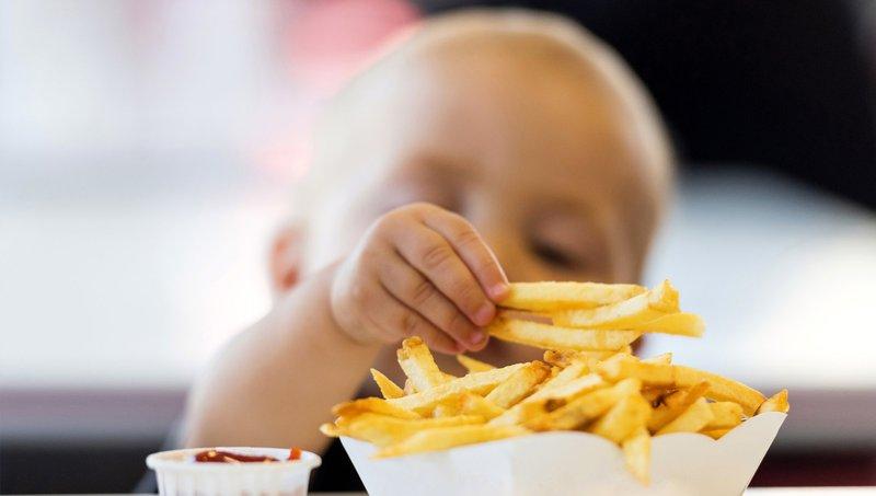 Awas, 5 Hal Ini Bisa Mengganggu Kesehatan Pencernaan Anak 2.jpg