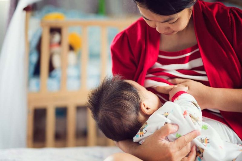 Bagaimana Cara Agar Proses Menyapih Tetap Menyenangkan untuk Moms dan Bayi -1.jpg
