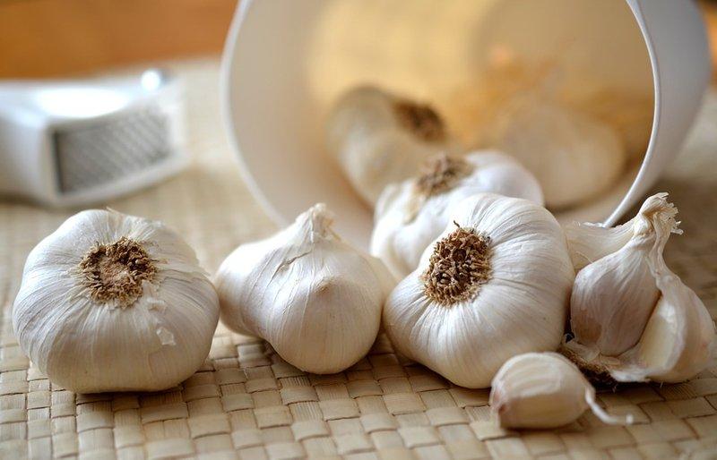 Bahan Dapur untuk Obat Kolesterol - Bawang Putih.jpg