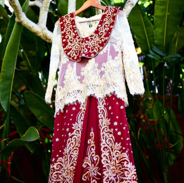 Baju Cele Perempuan yang Jadi Pakaian Adat Maluku (instagram.com a.ncollection).PNG