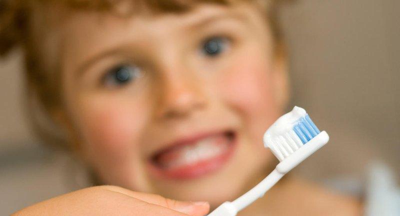 mengatasi bau mulut pada anak
